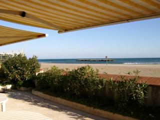 4 bedroom Villa in Valras Plage, Languedoc, France : ref 2000105