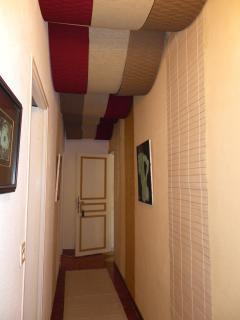 Corridor of apartment - Couloir de l'appartement