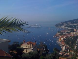 Villefranche- 95m2, sleeps 5, ALL REDONE- panoramic sea view, pool, 2  terraces,