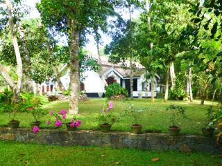Heritage Villa with swimming pool in Hikkaduwa