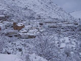 Casa de 80 m2 para 6 personas en Laroya