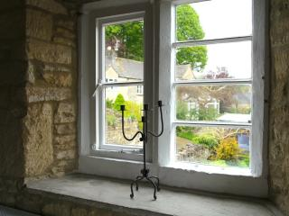Stunning peaceful Cotswold cottage