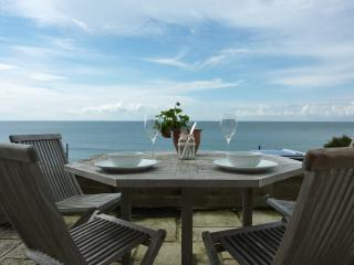 Sea view apartment, Ventnor - Salty Holidays