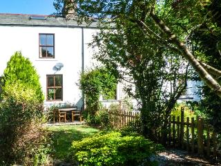 BETHANY'S COTTAGE, pet-friendly, over three floors, woodburner, WiFi, in