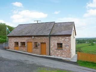 BWTHYN-Y-RHIW, detached cottage, countryside views, enclosed garden, near