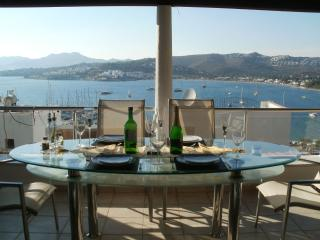Villa Lou - sleeps 6. Outstanding villa overlooking Bitez bay and marina.
