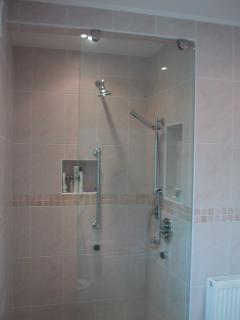 Luxury Power Shower with Rain Bar and Body Jets