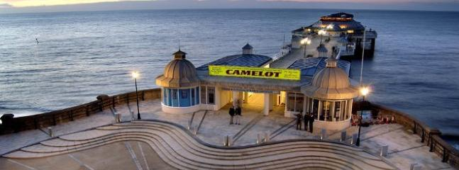 All Year round entertainment on Pier theatre