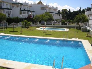 Conil apartamento bajo porche-jardín y 2 piscinas