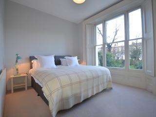 Split level 3 bed sleeps 5 Notting Hill