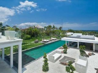 Villa Ombak Putih, Mengwi