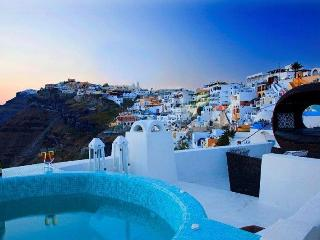 Blue Angel-Caldera view villa in Fira Santorini