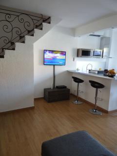 Salon et cuisine, TV satelitte, internet, equipement complet