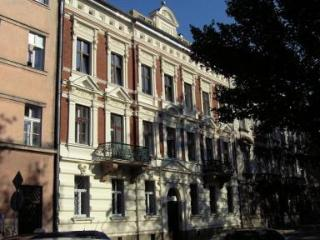 Light and Spacious Apartment in City Center, Cracovia