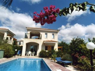 3 Bedroom detached villa with private pool in Peyia, Paphos. Sleeps adults