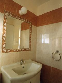 Villa Sofia. Main Bathroom fixtures and fittings - Upstairs