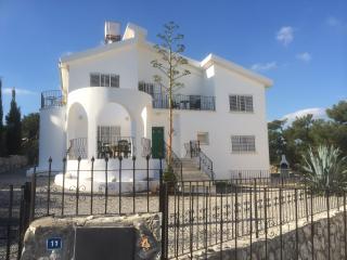 Villa Caretta, Esentepe