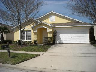 Beautiful 4 Bed Home With a Private Pool 320CMC