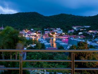 727-Wahoo, Gustavia