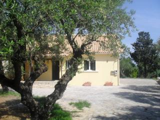 The Olive Grove, a charming villa, private swimming pool set in the olivegroves!