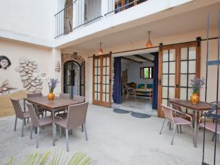 Casa Tempranillo at 40 min Barcelona, Torrelles de Foix
