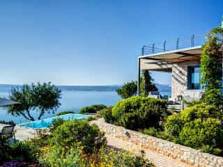 Villa Daedalos with Heated Pool, Fitness area and Amazing Sea and Mountain Views