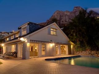 HILLTOP BUNGALOW, Camps Bay