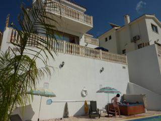 Villa Athena Panoramic Views Jacuzzi Free Internet, Peyia
