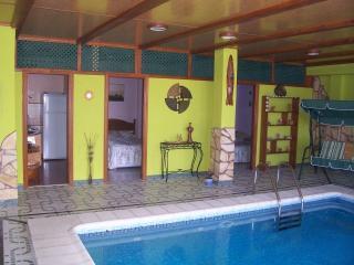 Apartamento Delfin Azul con piscina privada