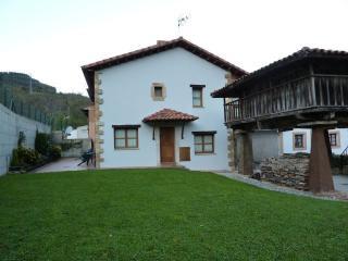 Casa Rural de 80 m2 de 2 habitaciones en Villavici, Candanal