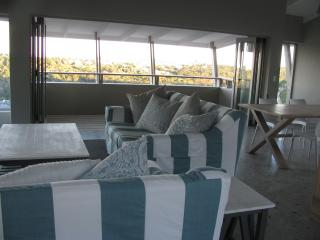 Lounge dining area with view of Robberg peninsula