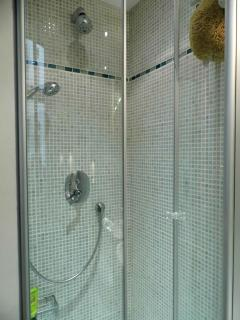 Dusche mit Massagebrause