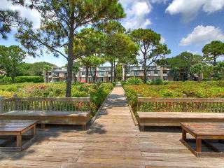 New to Market! Ocean Club Villa. Pool, Free Bikes, WiFi, Steps to the Beach, Hilton Head
