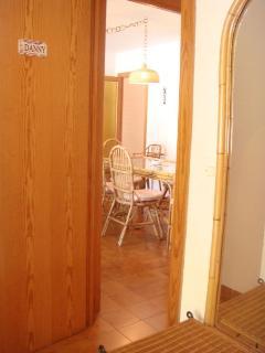 Vistas al salón desde el dormitorio principal