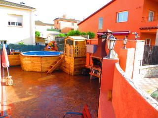 Casa, jardin barbacoa piscina, solarium, Pineda de Mar