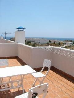Vista hacia el mar desde la terraza ,sea view from the upper  terrace