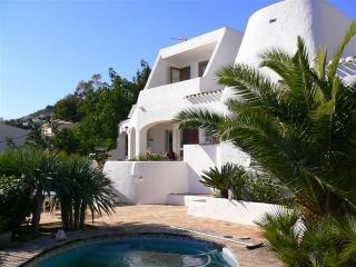 Villa Ibicenca con estupendas vistas al mar