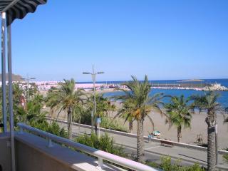 VENDO Atico primera linea de playa, Carboneras