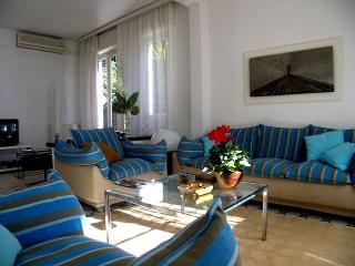 Riviera Apartment