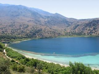 Creta casa al lago Kournas