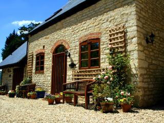 Jasmine Cottage, converted stables, Gloucester