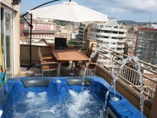 Atico-loft, 6 pers. Spa-jacuzz, Girona