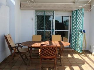 Chalet 3 dormitorios , piscina, pádel, cerca playa