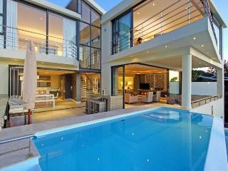 ROYAL VILLA, Camps Bay