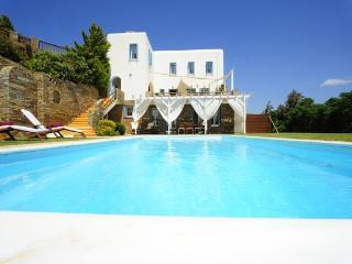 4701-Queen Villa - Andros