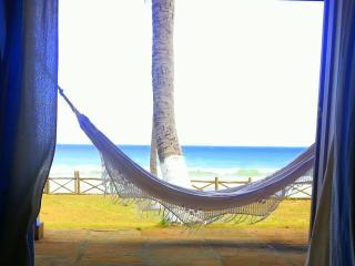 Beach House Busca Vida, Salvador