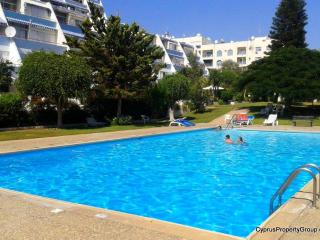 Maisonette & pool near the sea