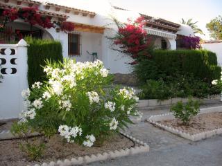 Casa con vistas al mar y piscina en Venta Lanuza