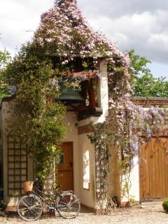 entrance of Belltowercottage