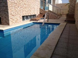 VILLA AGADIR  piscine chauffée sonaba 1 km sofitel, Agadir